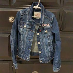 Girls Jean jacket. Size 8-10 yes. Like new